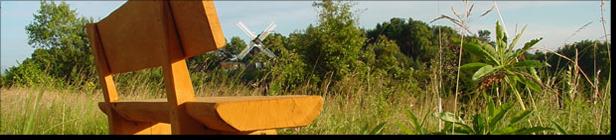 Ruhebank mit Mühle im Hintergrund; (c) Bernhard Schönhofen