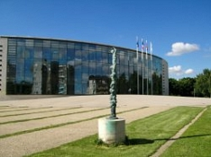 verglastes großes Gebäude©Stadt Buchholz in der Nordheide